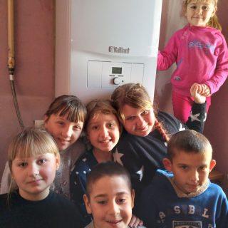 Dank der Hilfe von Legal Literacy Project können 10 Kinder wieder in einem warmen Zuhause leben