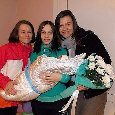 Anastasia mit Ihrem neugeborenen Sohn Andrej in SOS Kinderdorf