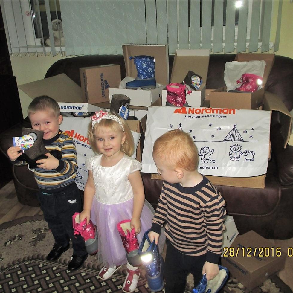 Kinder des Kinderheimes von Pechory