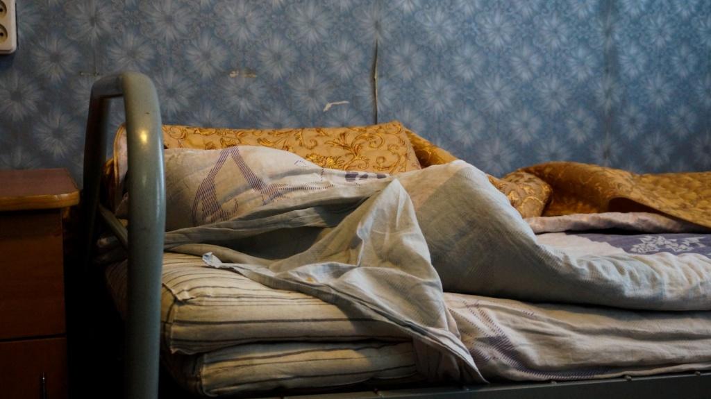 coeur petit besoin aigu de nouveaux lits et la literie pour les enfants de porkhov. Black Bedroom Furniture Sets. Home Design Ideas