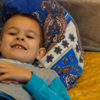 Akuter Bedarf an neuen Betten und Bettwäsche für die Kinder von Porkhov